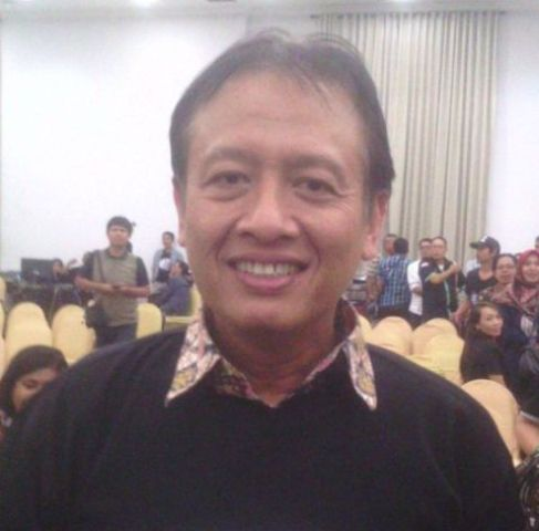 Hendra Subiakto, Staf ahli Kementrian Komunikasi dan Informasi.