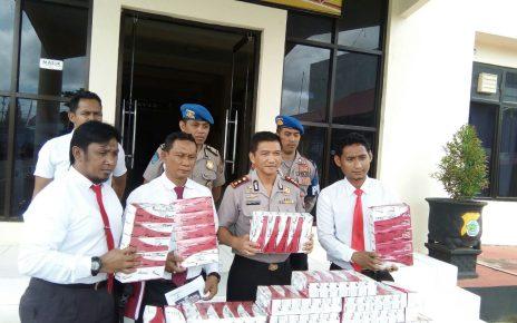 Polres Sorong saat melakukan Jumpa pers terkait penetapan Hendri Sitorus sebagai DPO.