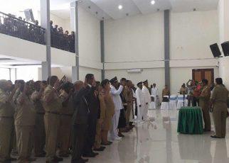 Proses Pelantikan Pejabat oleh Bupati Bintuni, Ir. Petrus Kasiuw