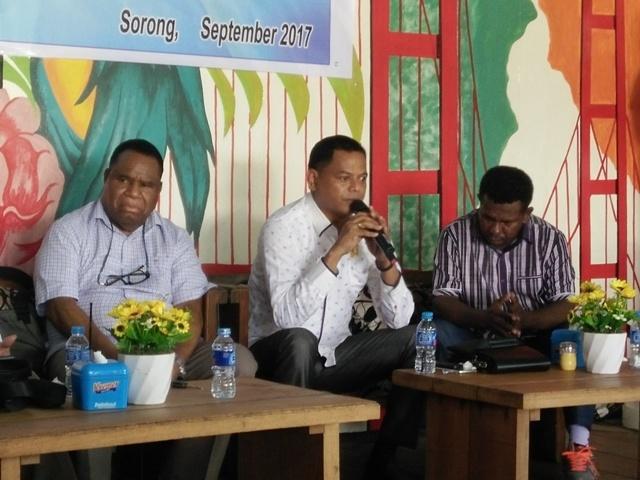 Ketua komisi E, DPR Papua Barat, Fredi Marlisa.