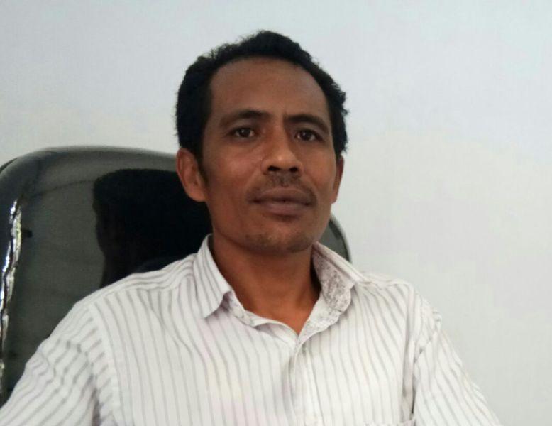 Karolus Kopong, Ketua Panwaslu Kabupaten Kaimana.