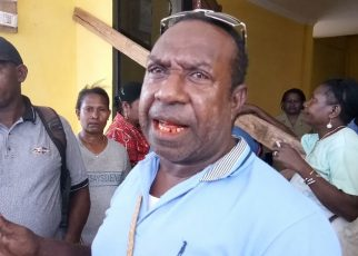Sonny Atiamuna, salah satu pengusaha lokal yang melakukan pemalangan