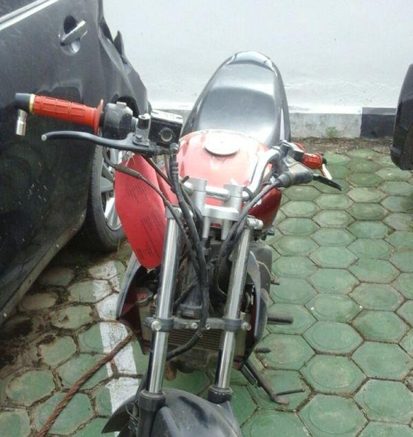 Motor bekas yang dibeli oleh AS seharga Rp 2 juta.