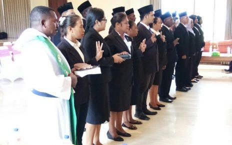 Pelantikan anggota panwas Distrik oleh Ketua Panwas Kabupaten Kaimana