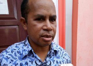 Drs. Donald R. Wakum, Kepala BKPSDM Kaimana.
