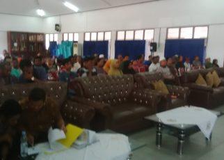 Pembahasan ganti rugi tanah dan bangunan milik warga rufei, di Aula Samusiret, Kota Sorong.