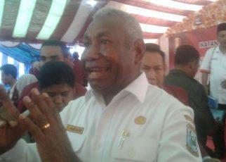 Gubernur PB, Dominggus Mandacan