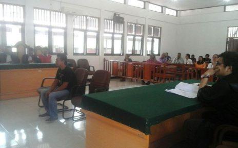 Moh Iqbal saat memberikan kesaksian dalam persidangan pemilik CT di Pengadilan Negeri kelas IIb Sorong
