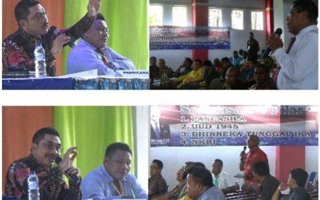 Wakil Ketua Komisi V, DPR RI, Michael Watimena saat menyampaikan Materi Empat Pilar Kebangsaan