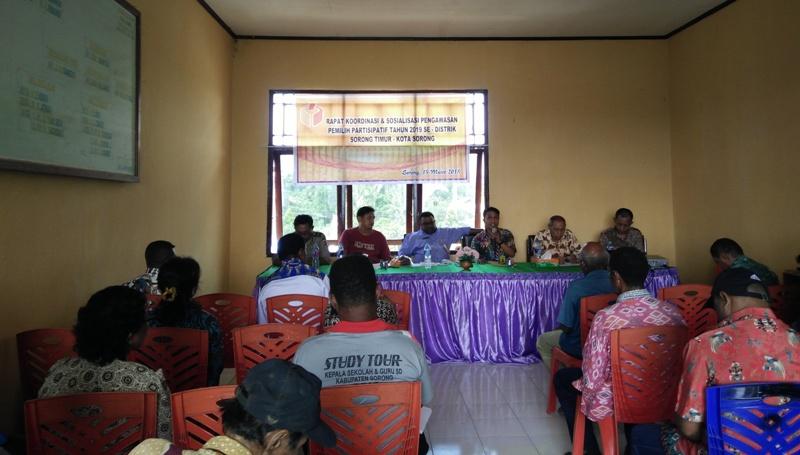 Panwaslu Kota Sorong melaksanakan sosialisasi pengawasan partispatif tahapan pemilu di Distrik Sorong Timur, Kota Sorong