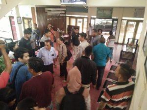 Keributan terjadi setelah Hakim menutup persidangan