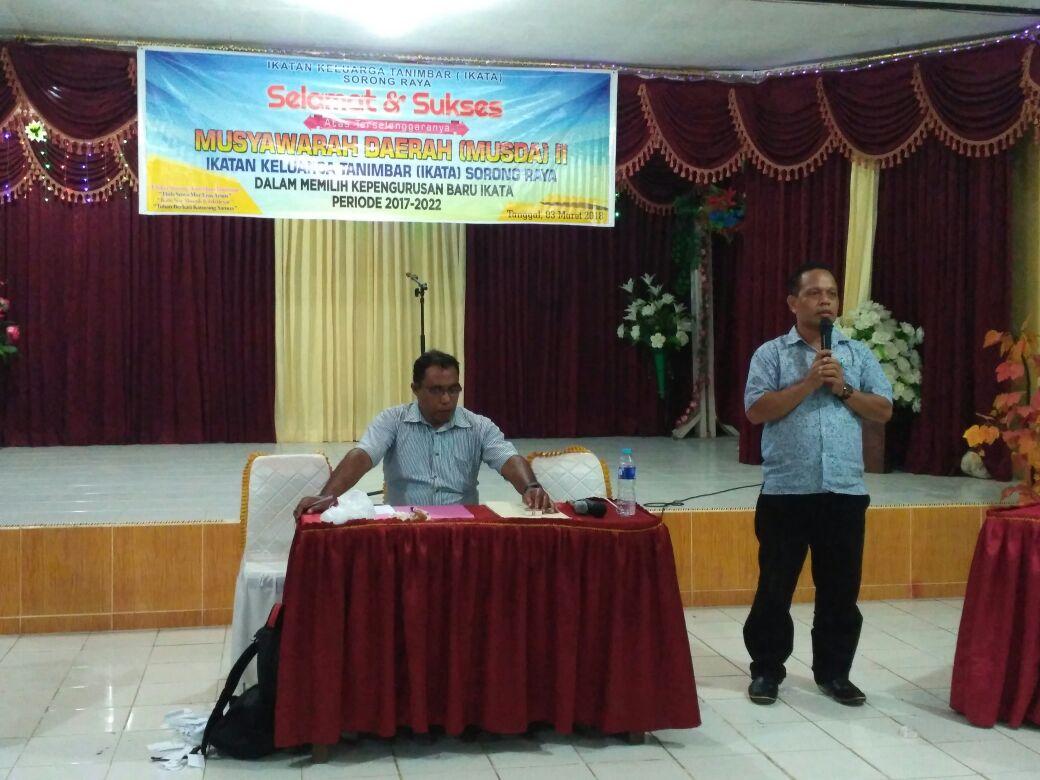 Ketua IKATA Sorong Raya, Everistus Nusatjasi saat menyampakan pidato setelah terpilih secara aklamasi