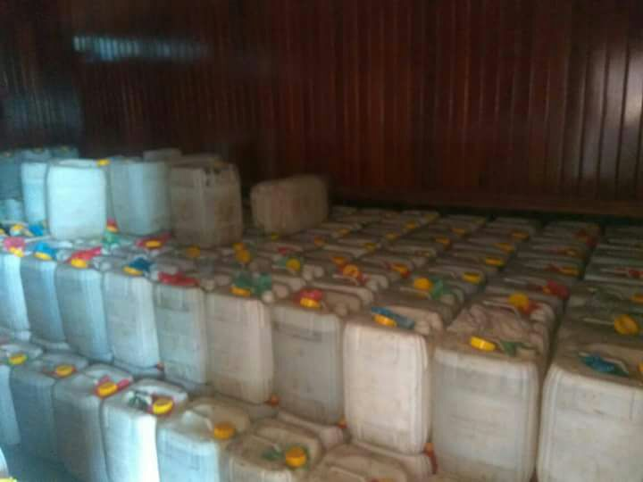 Ribuan Liter Miras Yang Disita Polisi dari Gudang Labora Sitorus, Sabtu (3/3/2018)