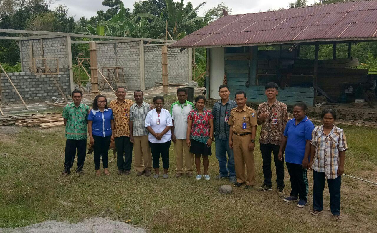 Tim Monitoring Cluster Meyes melakukan monitoring di sejumlah gedung sekolah yang baru dibangun di Wilayah Manokwari