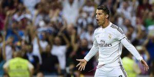 Selebrasi Ronaldo usai mencetak gol tendangan penalti ke gawang Juventus