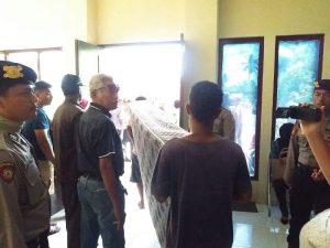 Sejumlah barang milik Hotel Handayani dieksekusi oleh Pengadilan Negeri Sorong