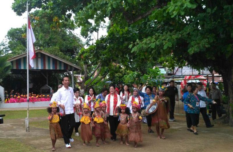 Didampingi Gubernur PB, Presiden RI Berkunjung di TK Theresia