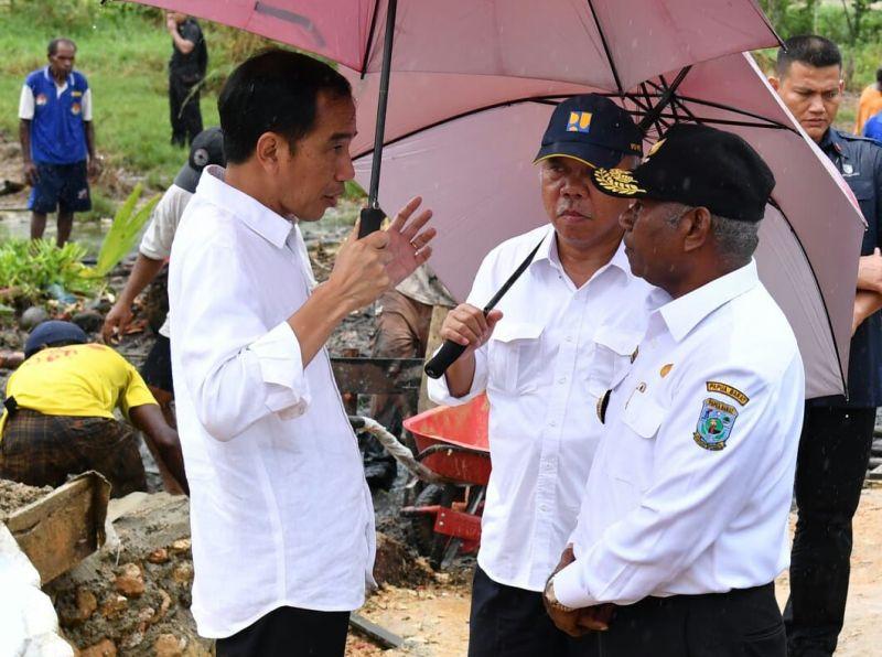 Presiden bersama Gubernur PB membahas soal program padat karya
