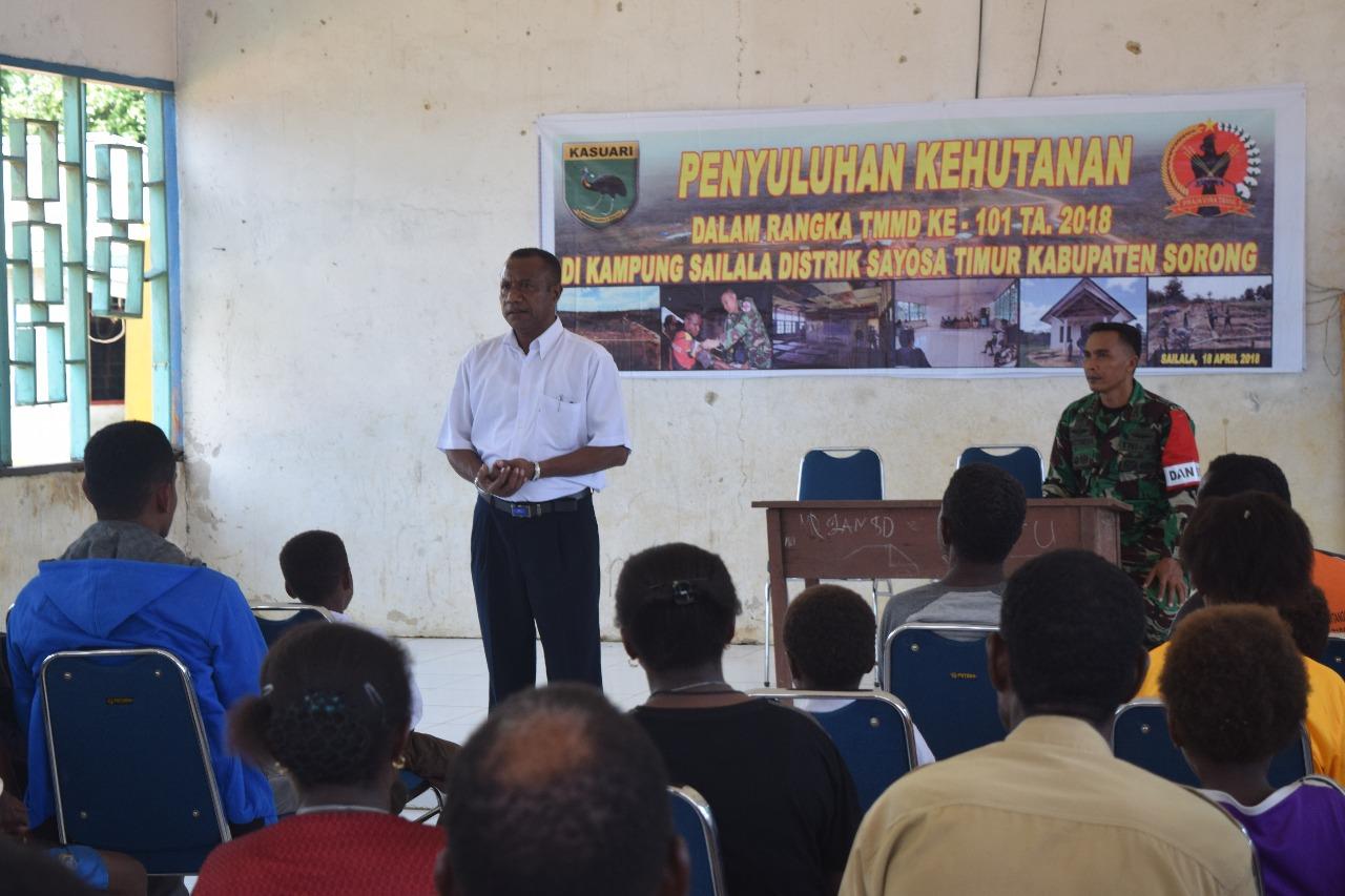 Penyuluhan Kehutanan kepada Masyarakat Kampung Sailala, Distrik Sayosa Timur.