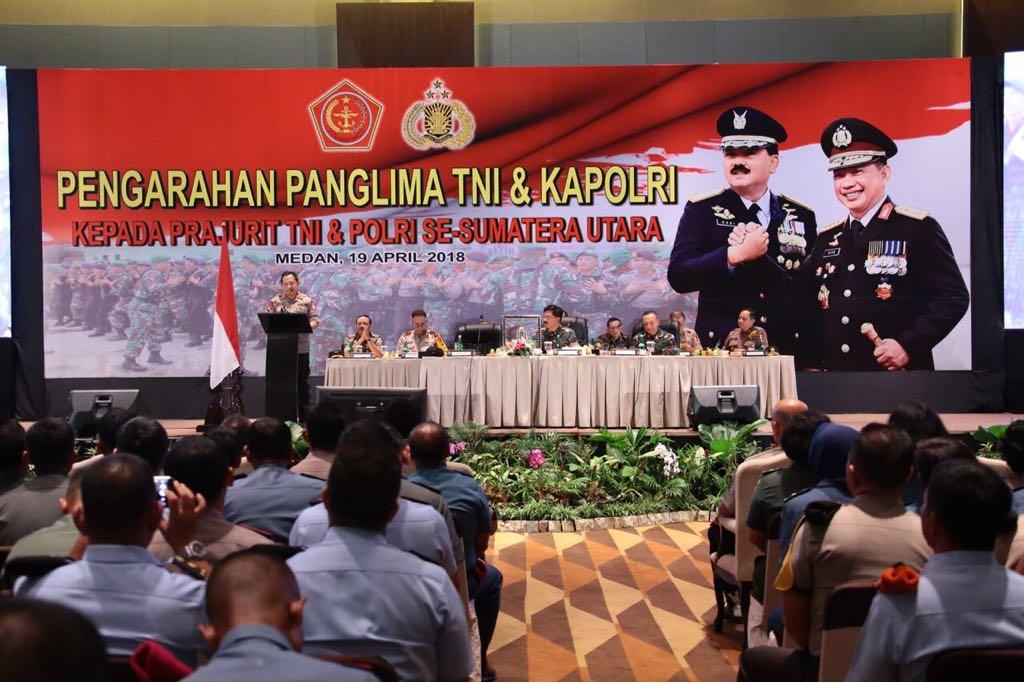 Pengarahan Panglima TNI dan Kapolri kepadA Prajurit TNI dan Polri se-Sumatera utara, Kamis (19/4/2018)