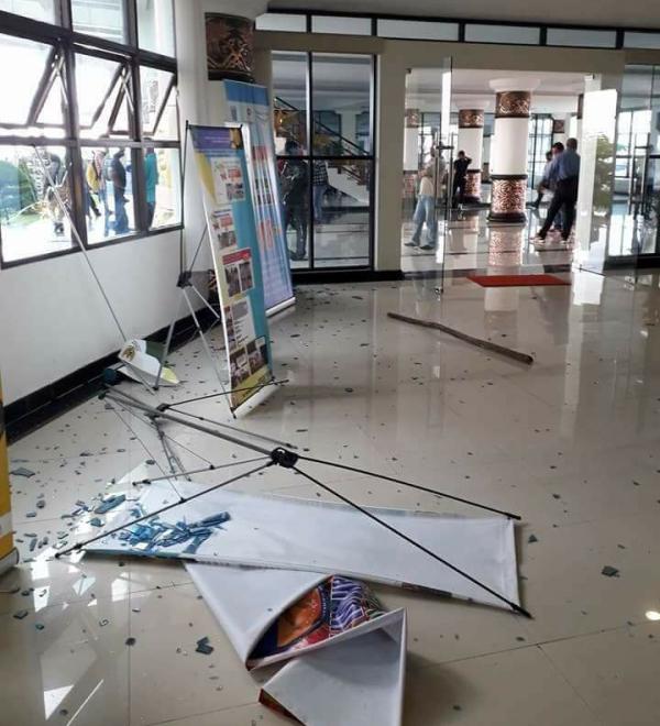 Salah satu ruangan Kantor Pemerintah Provinsi Papua Barat yang dirusaki masa