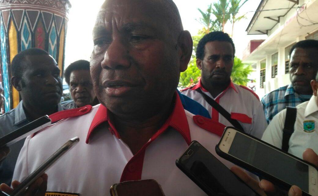 Dominggus Mandacan, Gubernur Papua Barat