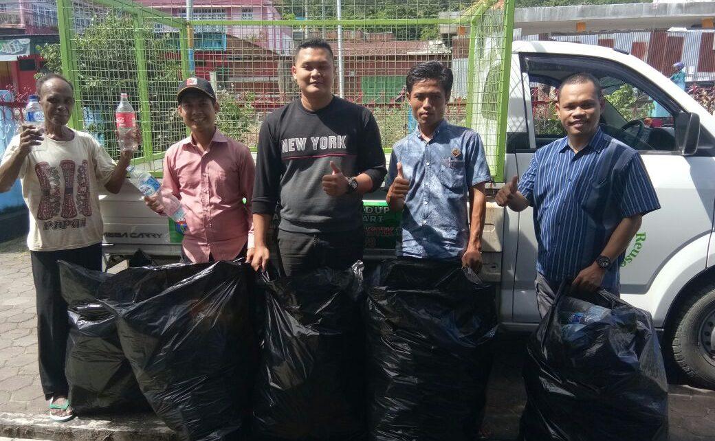Menuju Smart Publik dan Wujudkan Manokwari Nol Sampah maka Kelurahan Padarni MoU Dengan Bank Sampah UKM Unipa Manokwari
