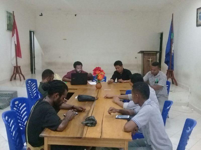 Anggota Cipayung saat melakukan rapat konsolidasi lintas organisasi di Jayapura Provinsi Papua