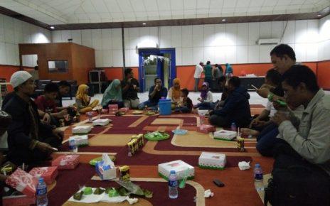 Wartawan Sorong mencicipi hidangan Buka Puasa Bersama