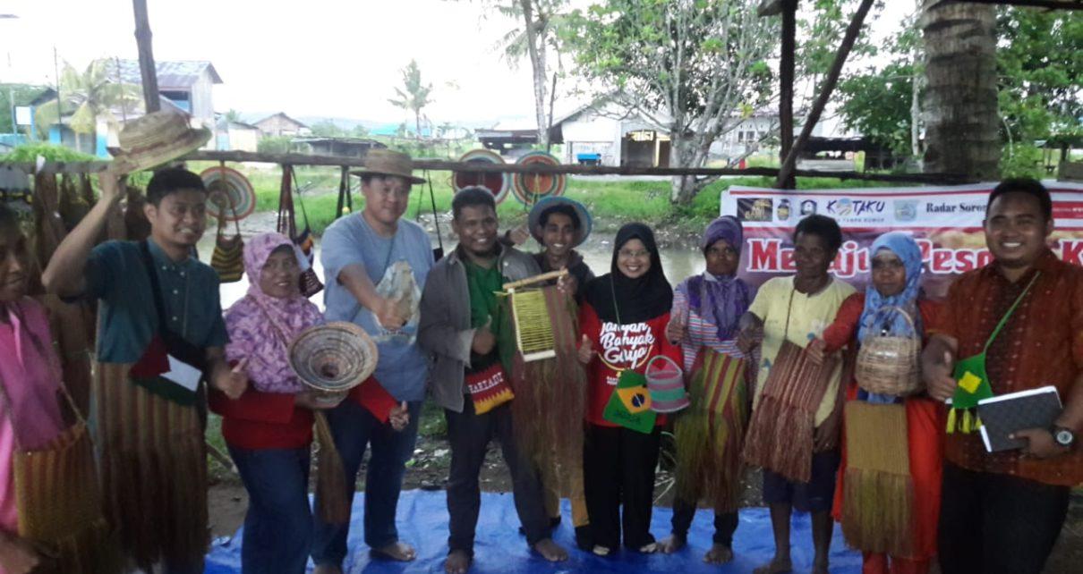 KPL Gelar Pesona Kehidupan khas Papua bersama Kelompok Pengajian Emeyedore dan Pelatihan Kewirausahaan dan Strategi Pemasaran bagi Mama-mama Papua di Kompleks Kokoda Pantai, Kota Sorong, Sabtu (23/6/2018)
