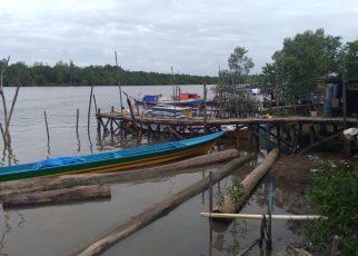 Kapal Nelayan Bintui Yang Tidak Bisa Melalut Akibat Kelangkaan BBM di Negeri Kali Kabur