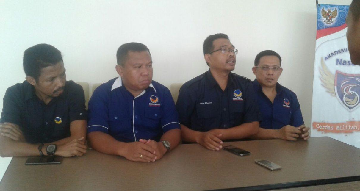 Konfrensi Pers DPW Partai NasDem Papua Barat tentang Rapat Pleno penyerahan Berkas Bacaleg ke DPP di Hotel Vega Sorong, Jumat (1/6/2018)