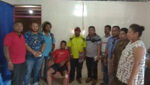 MRP Papua Barat dan DAP Wilayah III Doberay Mengunjungi Korban Penembakan yang diduga dilakukan Oknum Brimob