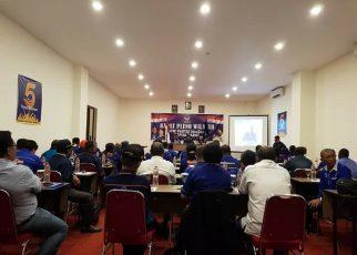 Rapat Pleno DPW Partai NasDem PB dalam rangka penyerahan berkas bacaleg Kabupaten, Kota dan Provinsi di Hotel Vega Soorng, Jumat (1/6/2018)