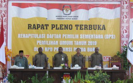 Rapat Pleno Terbuka Rekapitulasi Daftar Pemilih Sementara (DPS) Pemilu tahun 2019 Provinsi Papua Barat di Aula Kantor KPU Papua Barat, Rabu (20/6/2018)