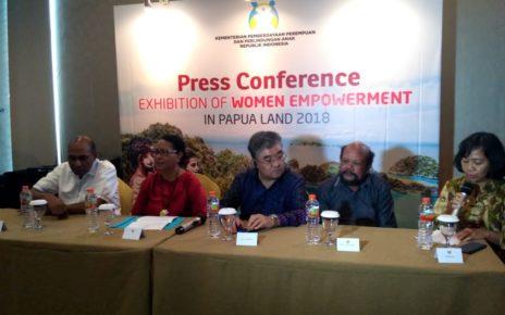Konferensi Pers bersama kementrian PPPA RI dan Kemntrian Luar Negeri serta Wakil Gubernur Papua Barat di Swesbell Hotel. / (foto: Kumala Dewi)