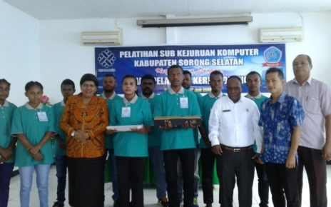 Foto bersama usai pembukaan pelatihan CPU di BLKI Sorong. (foto: ninik)