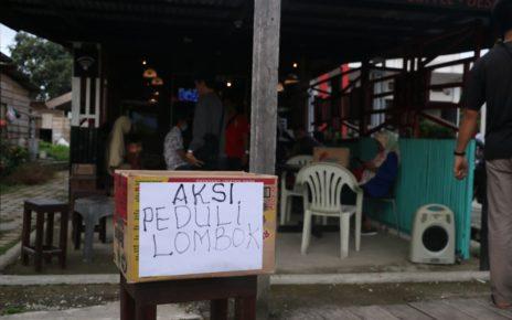 Kotak sumbangan untuk korban gempa di lombok
