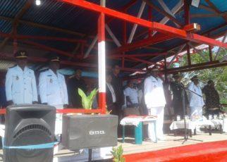 Wakil Bupati Tambrauw saat memimpin upacara HUT 17 Agustus 2018 di Distrik Ambarbaken