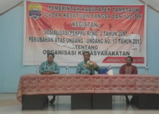 KesbangPol Tambrauw Sosialisasi UU Ormas di Aula Pemberdayaan Perempuan/(foto: Trisatrisnah)