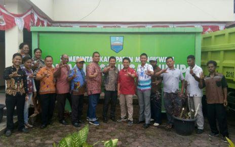 Peserta Forum Group Discusion Kementrian PU PR di Kantor DLH Kabupaten Manokwari, Jumat (7/9/2018)