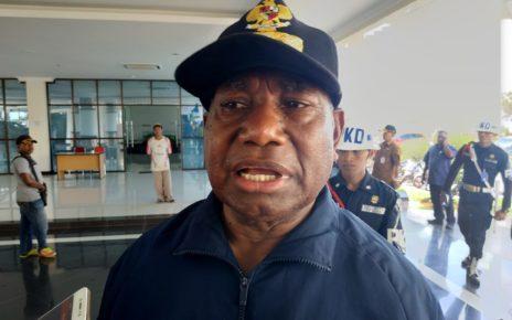 Drs Dominggus Mandacan