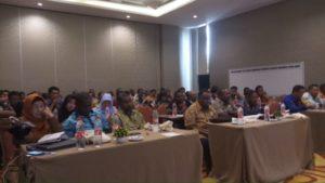 Peserta Lokakarya Mewujudkan Papua Barat Sebagai Provinsi Konservasi yang dilaksanakan di Ruang Rapat Swissbel- Hotel Sorong, Kamis (18/10/2018)