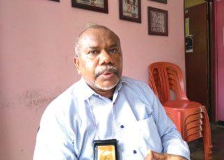 Direktur Eksekutif LP3BH Manokowari, Yan Christian Warinussy,S.H