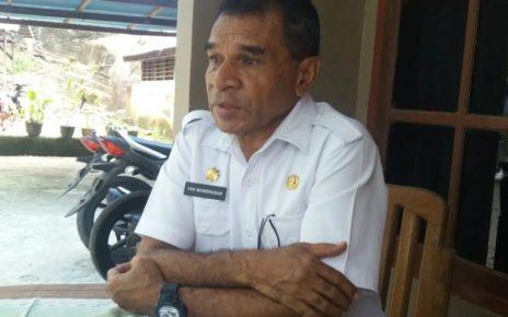 Yance Mambrasar, Ketua Dewan Adat Beteuw-Kafdarun Kabupaten Raja Ampat / foto Derek Mambrasar