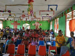 Jemaat GPKAI Laharoi Demaisi yang mengikuti Ibadah Perayaan Natal Ikatan Perempuan Arfak (IPA) Papua Barat, Sabtu (8/12/2018)