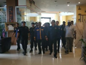 Ketua KSN Pusat, I Gusti Putu Artha Bersama Ketua DPW Partai NasDem Papua Barat menuju arena Rakerwil Partai NasDem