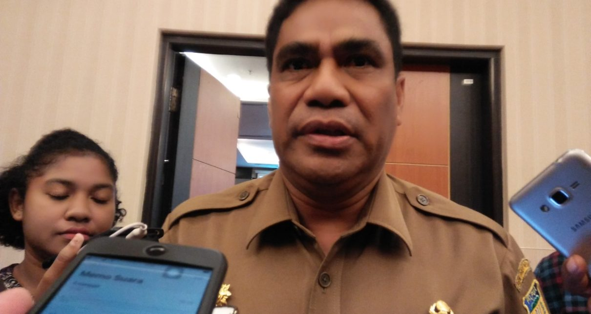 Sekda Papua, T.E.A Hery Dosiaen