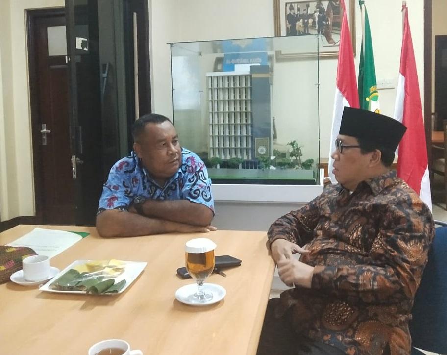 Alfaris Labagu berssama Sekjend PP DMI, Diskusi kesiapan pelantikan DMI PB. [foto: Humas DMI PB]